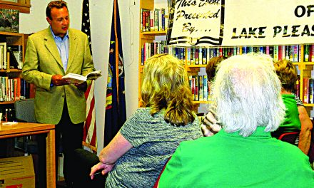 Residents meet with author Gerard Filitti